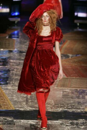 "JOHN GALLIANO for CHRISTIAN DIOR HAUTE COUTURE SPRING-SUMMER 2005. RUNWAY MAGAZINE ® Collections Special Selection ""Fashion Treasure"". RUNWAY MAGAZINE ® Collections. RUNWAY NOW / RUNWAY NEW"